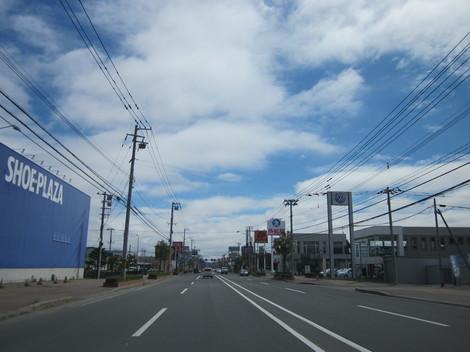 パン屋夕陽ケ丘通り・国道からメッセラルズ・100ボル 011.JPG