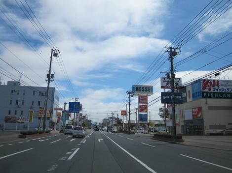 パン屋夕陽ケ丘通り・国道からメッセラルズ・100ボル 013.JPG