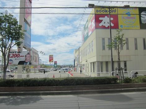 パン屋夕陽ケ丘通り・国道からメッセラルズ・100ボル 014 (2).JPG