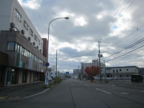 中央通り・駅・バス会社 005.JPG
