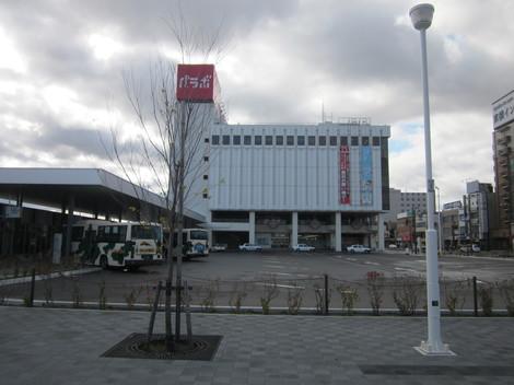 中央通り・駅・バス会社 019.JPG