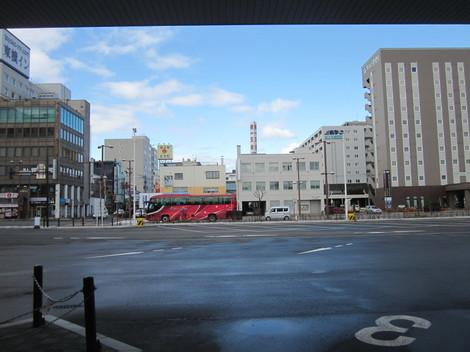 中央通り・駅・バス会社 022.JPG