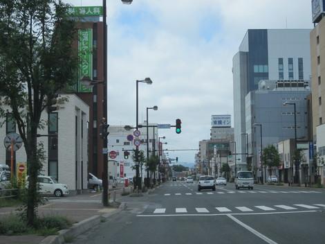 国道駅前・パラボ 004.JPG