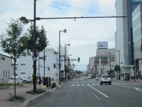 国道駅前・パラボ 005.JPG