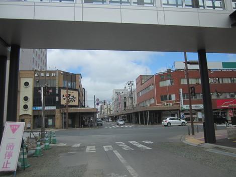国道駅前・パラボ 012.JPG