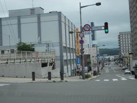 経済センターなど駅前 013.JPG