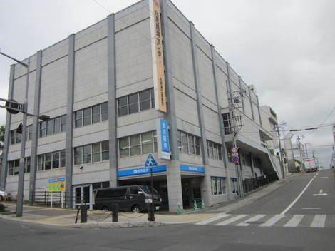 経済センターなど駅前 036.JPG