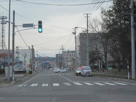 美山から郵便本局・パトカー 001.JPG