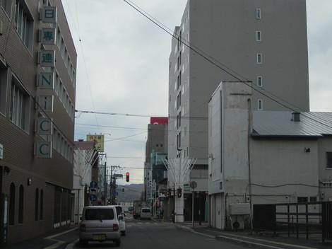 西2丁目・2番街・学園通り 006.JPG
